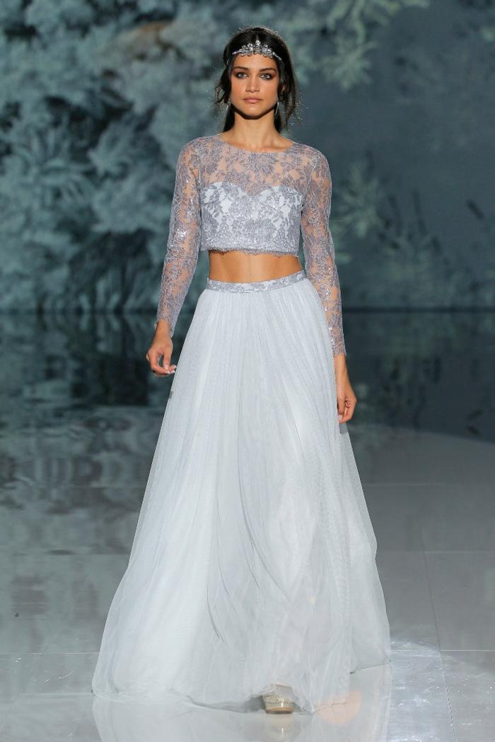 vestido encantador en azul celeste, diseño fabuloso en dos piezas, escote ilusión parte superior de encaje, tendencias vestidos de novia hippies