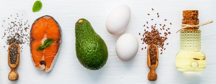 ingredientes básicos para una dieta, saludable, salmón, aguacate, huevos y aceite de oliva, ideas recetas faciles y sanas