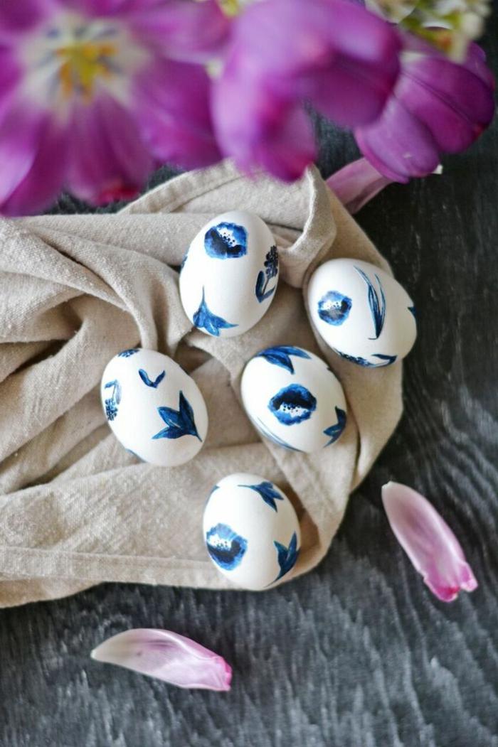 huevos blancos decorados de motivos florales, bonita idea de técnica de decoupage, decoración DIY Pascua