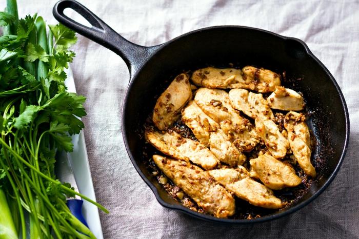 sabrosas recetas con instrucciones paso a paso, pollo cocinado en sartén con pereji, recetas de quinoa faciles de hacer