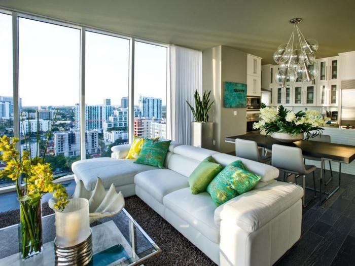espacio en colores frescos y claros, grandes ventanales con vista, decoracion de salones y comedores