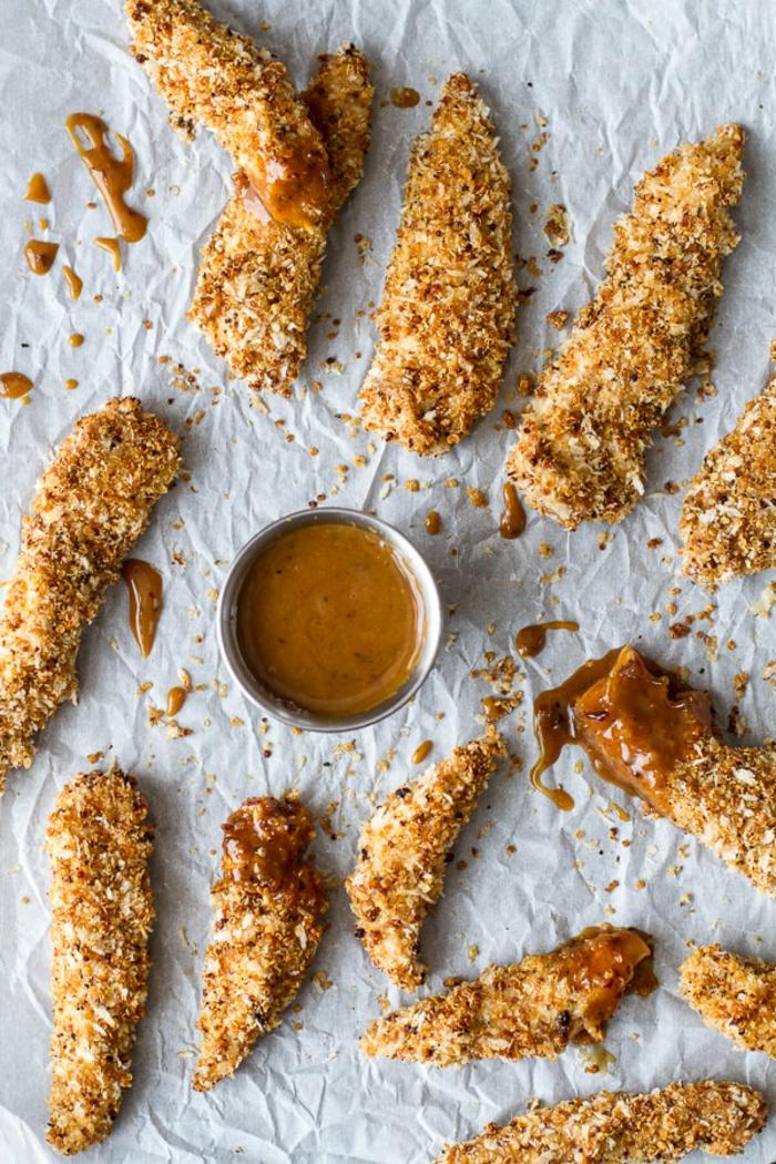 ricas y apetitosas fajitas de pollo con empanado de quinoa y salsa de barbacoa, quinoa recetas faciles y ricas