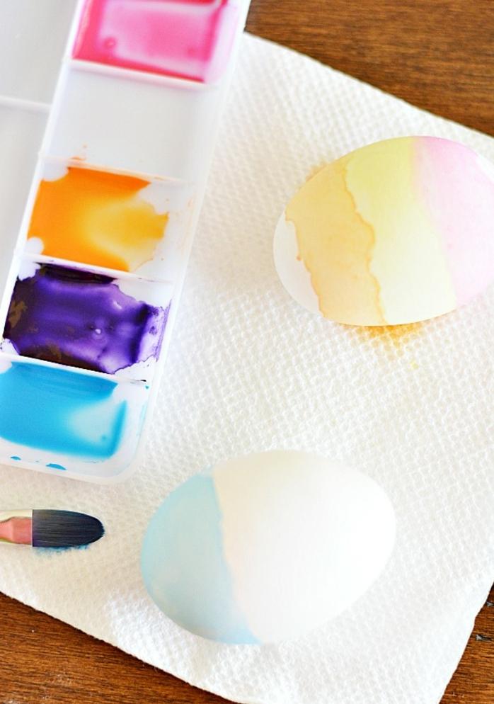 como decorar huevos de pascua con pintura acrílica, manualidades huevos de pascua fáciles de hacer