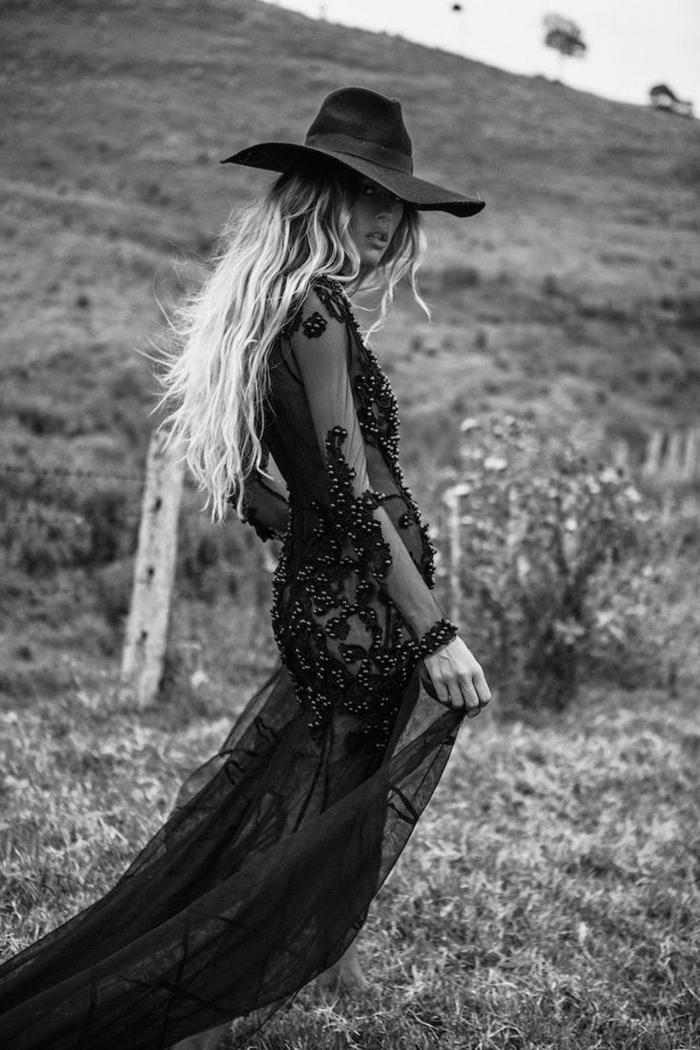 precioso vestido de visillo negro con partes transparentes y decoración de cristales, vestidos largos hippies modernos