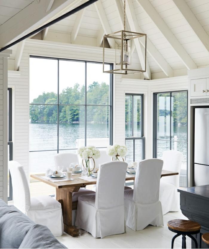 precioso diseño en blanco, salon comedor con vista, decoracion de salones en estilo moderno, buhardilla encantadora