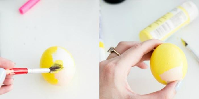 pasos para decorar un huevo de manera original con pintura acrílica y pincel, huevos decorados en amarillo, manualidades huevos de pascua con tutoriales