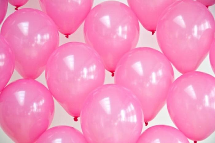 como hacer un arco de globos en forma de corazón paso a paso, globos cumpleaños en color rosa