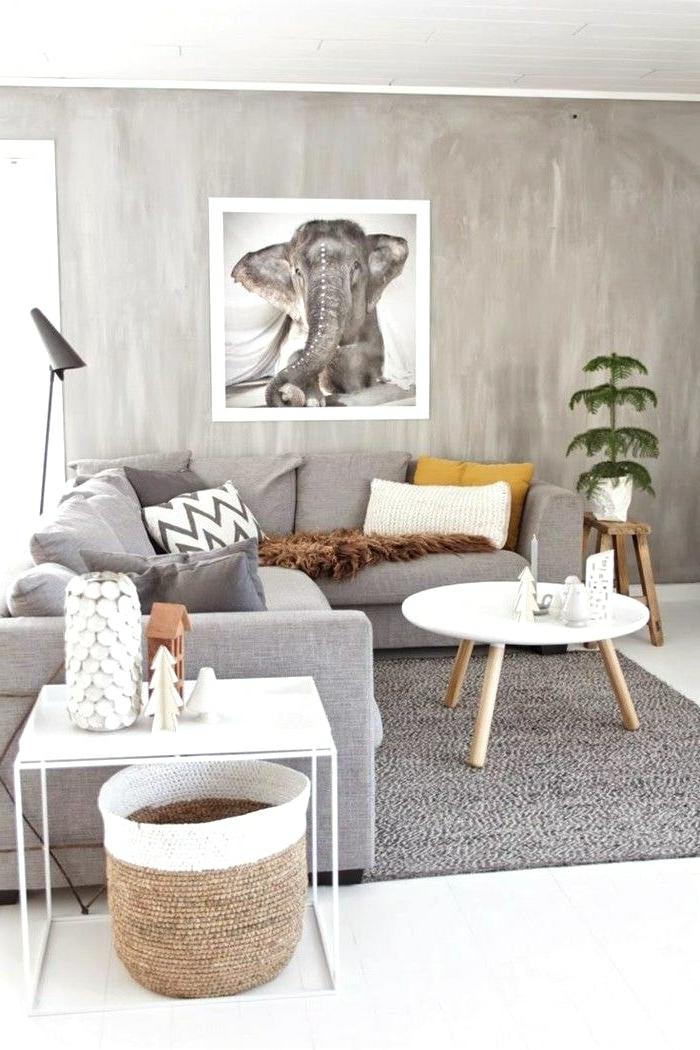 ideas salones pequeños acogedores, salón decorado en estilo bohemio con detalles de madera y mimbre y preciosa decoración en la pared