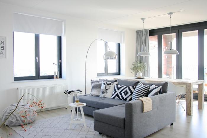 combinación de encanto de gris y blanco, salones pequeños decorados en colores claros, salon comedor moderno