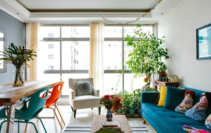 salon comedor decorado de manera encantadora, colores neutrales claros y detalles en tonos llamativos, decoracion salon pequeño paso a paso