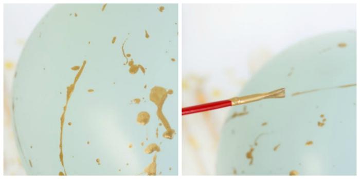 pasos para decorar un globo en dorado, globo en color menta decorados con dorado, decoración con pincel y pintura