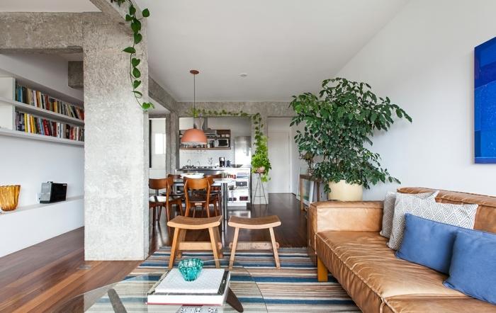 como decorar un salon comedor en estilo moderno, decoración de plantas verdes y interesantes elementos arquitectónicos