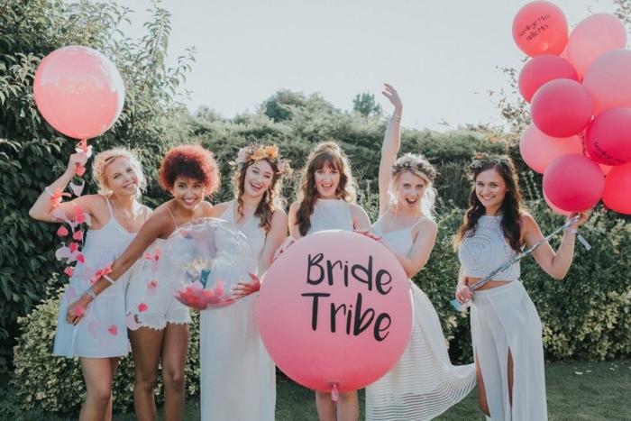 arcos de globos y otras manualidades con globos, idea original para una fiesta de soltera, ramos de globos rojos