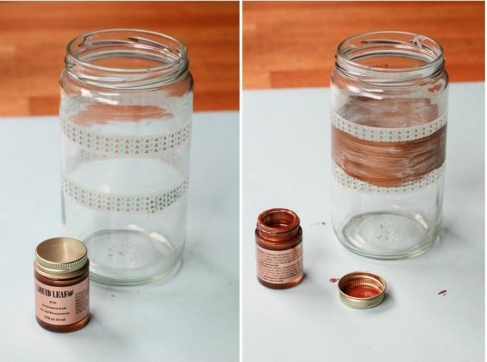 proyectos DIY con frascos de cristal paso a paso, dos frascos de vidrio decorados con pintura y pegatinas coloridas