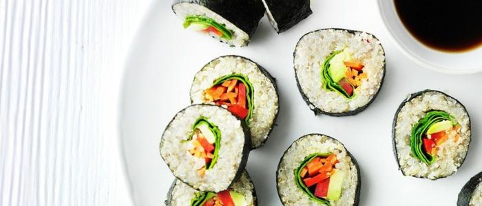 idea de recetas saludables y faciles, sushi con relleno de quinoa blanca, ideas de comida saludable y rica