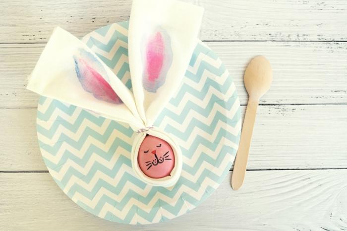 decoración de encanto para Pascua, cómo decorar huevos de pascua de manera original, caras de animales y preciosa decoración para la mesa