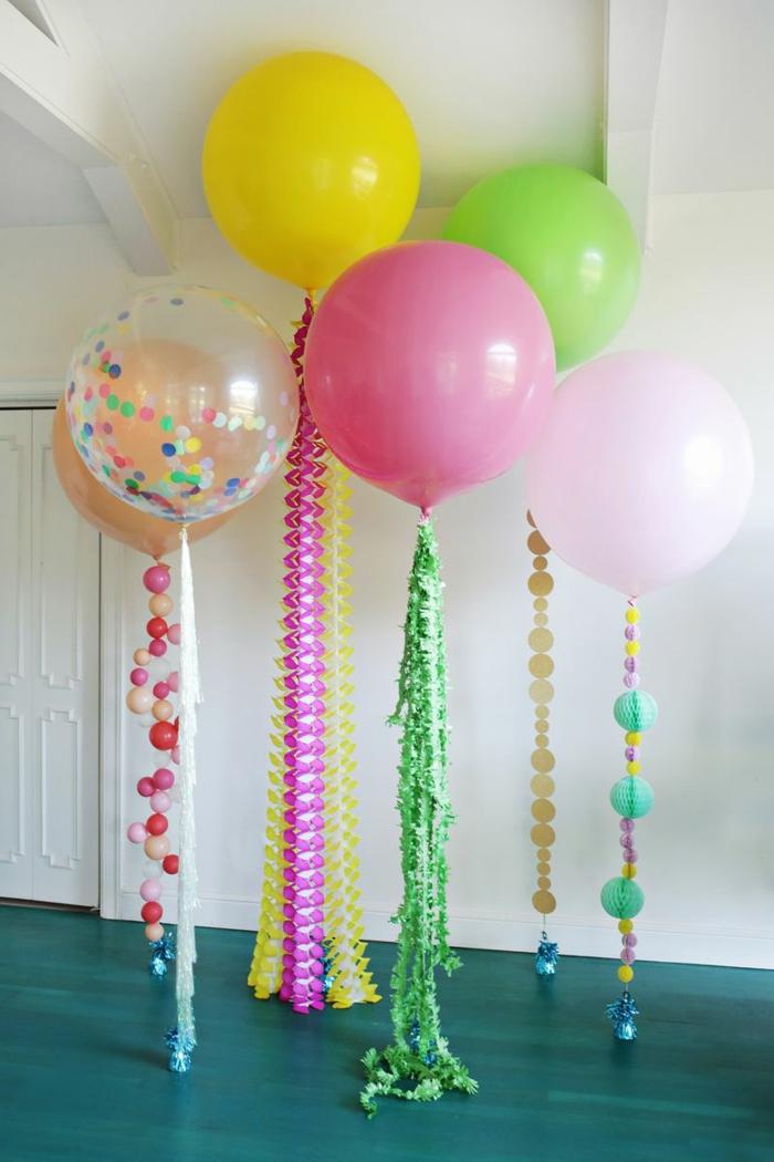decoración encantadora para tus fiestas, grandes globos de helio con guirnaldas de papel coloridas