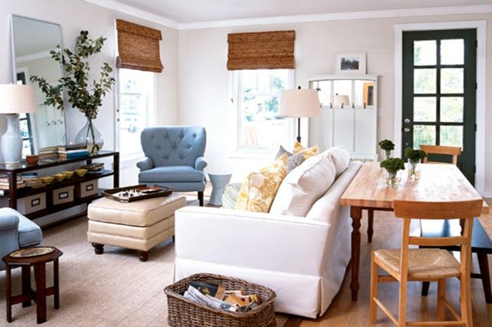 decoración de encanto de un salon comedor decorado en colores pastel, muebles vintage en capitoné, comedor con muebles de madera