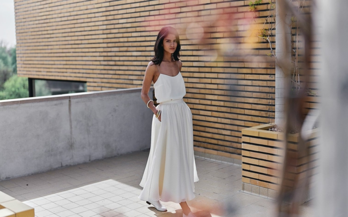 propuesta encantadora, vestidos de novias sencillos según las últimas tendencias, vestido hippie de dos piezas