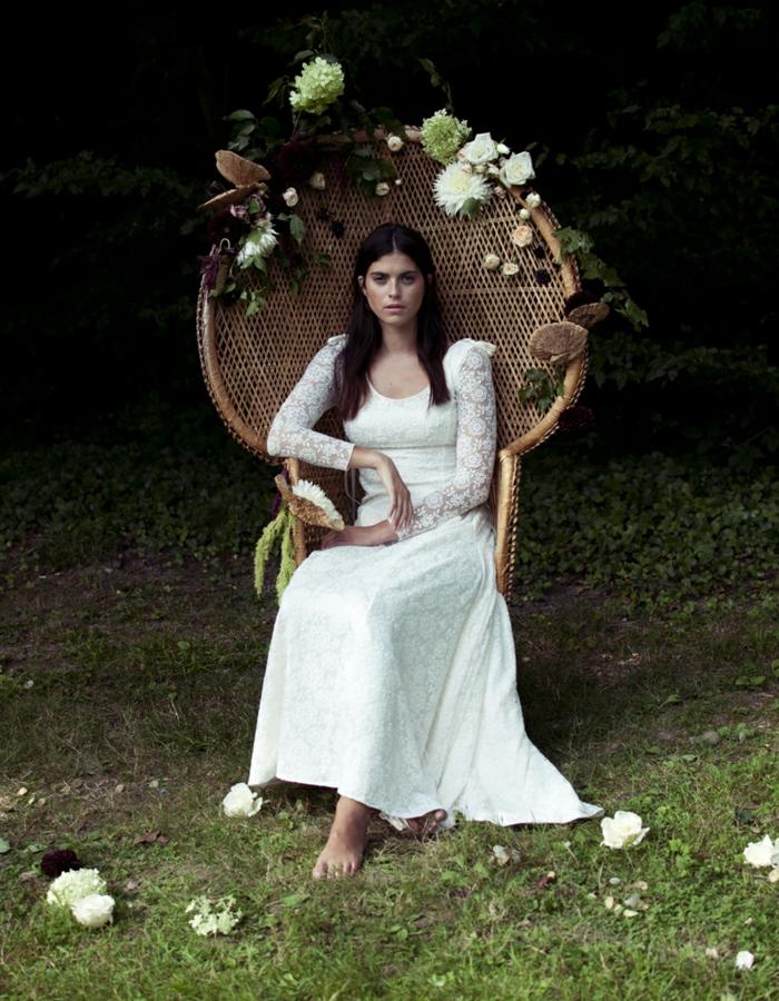 propuesta encantadora de vestido hippie de encaje, mangas largas de encaje, vestido de color blanco nuclear