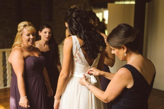 ideas de vestidos ibicencos baratos, bonito vestido de novia clásico con espalda descubierta y parte superior de encaje