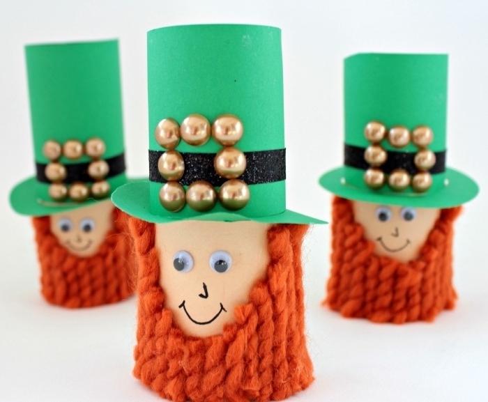 manualidades para el dia de san patrick, pequeñas muñecas hechas de tubos de cartón, manualidades con rollos de papel higienico