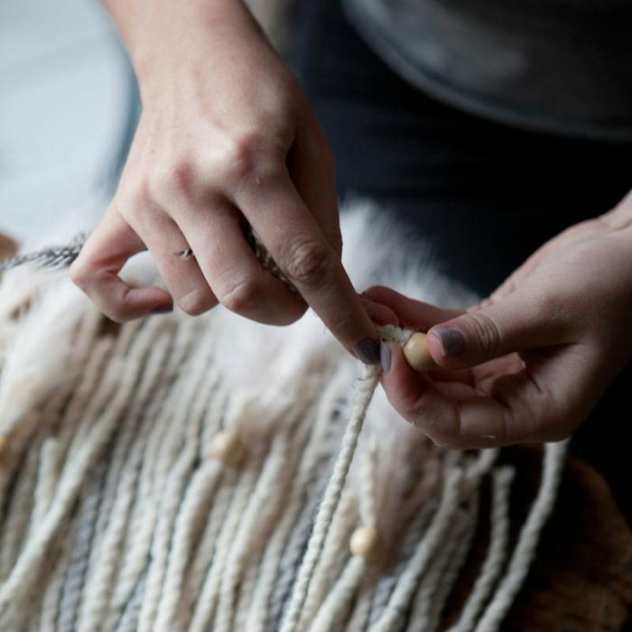 ideas sobre como hacer como hacer un atrapasueños, atrapasueños con hilo de lana y cuentas de madera paso a paso