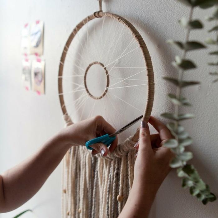 bonitas ideas sobre como hacer un atrapasueños DIY, manualidades para niños y adultos para decorar la casa
