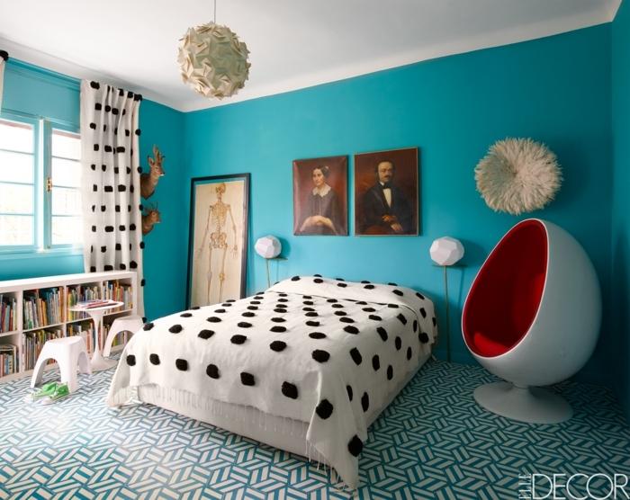 variante moderno de decorar una habitación infantil, paredes en color aguamarina y detalles en blanco y negro, ejemplo de habitaciones de niñas modernas