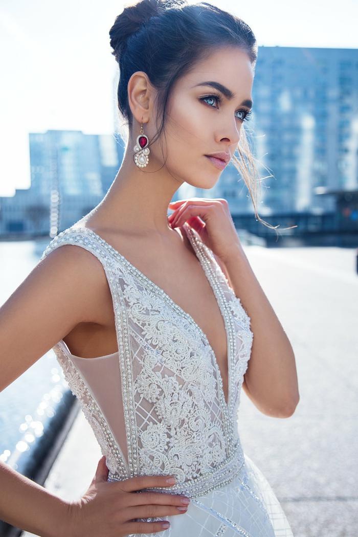 vestido con parte superior decorada de perlas y lentejuelas, vestidos de novia con encaje modernos 2018