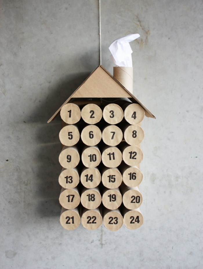 como hacer manualidades con tu niño paso a paso, ides con materiales reciclados, calendario de adviento con tubos de carton