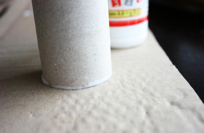 pasos para hacer un calendario de adviento con tubos de papel higiénico, como hacer manualidades paso a paso