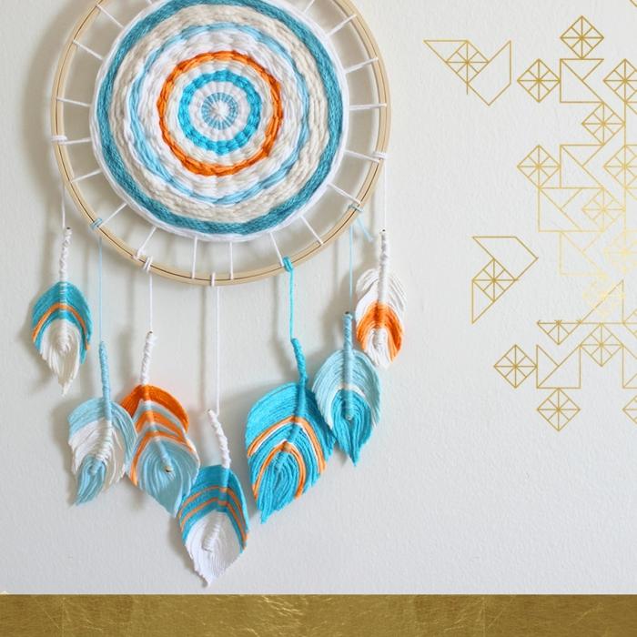 precioso atrapasueños ganchillo en colores claros, decoración de encanto para el hogar, plumas de hilo fáciles de hacer