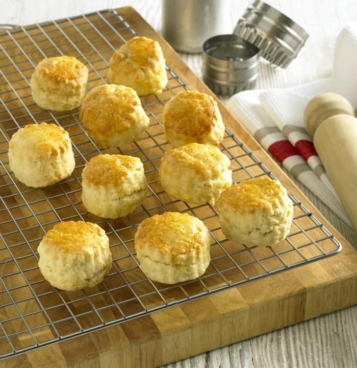 panecillos caseros con huevos y arina integral, comidas rapidas y faciles para el verano, tapas ideas