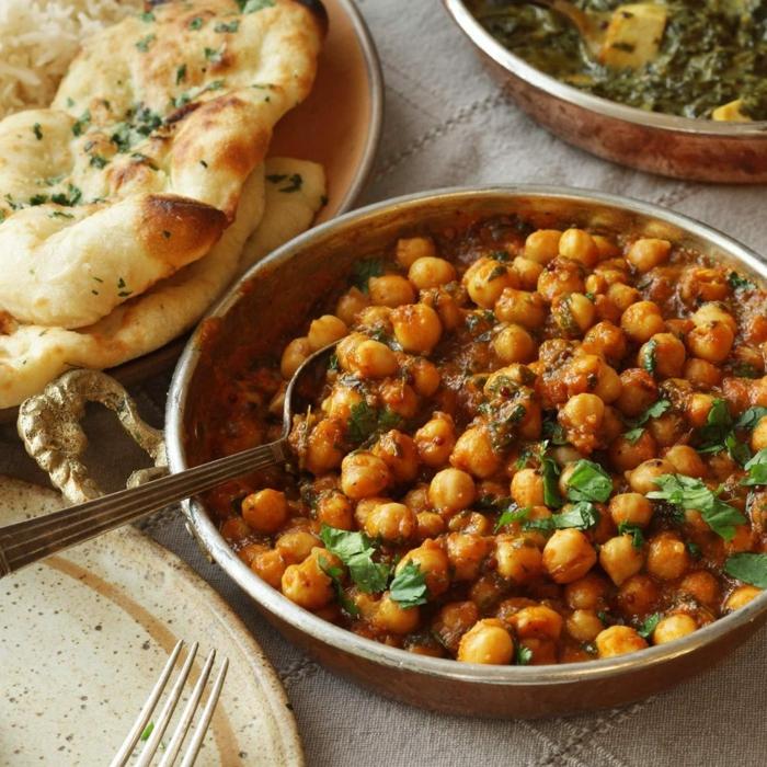 recetas fáciles y rápidas para almorzar, cocido de garbanzos con salsa de tomates y perejil