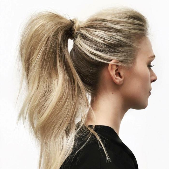peinados faciles y rapidos para ocasiones casuales, pelo largo rubio recogido en coleta alta