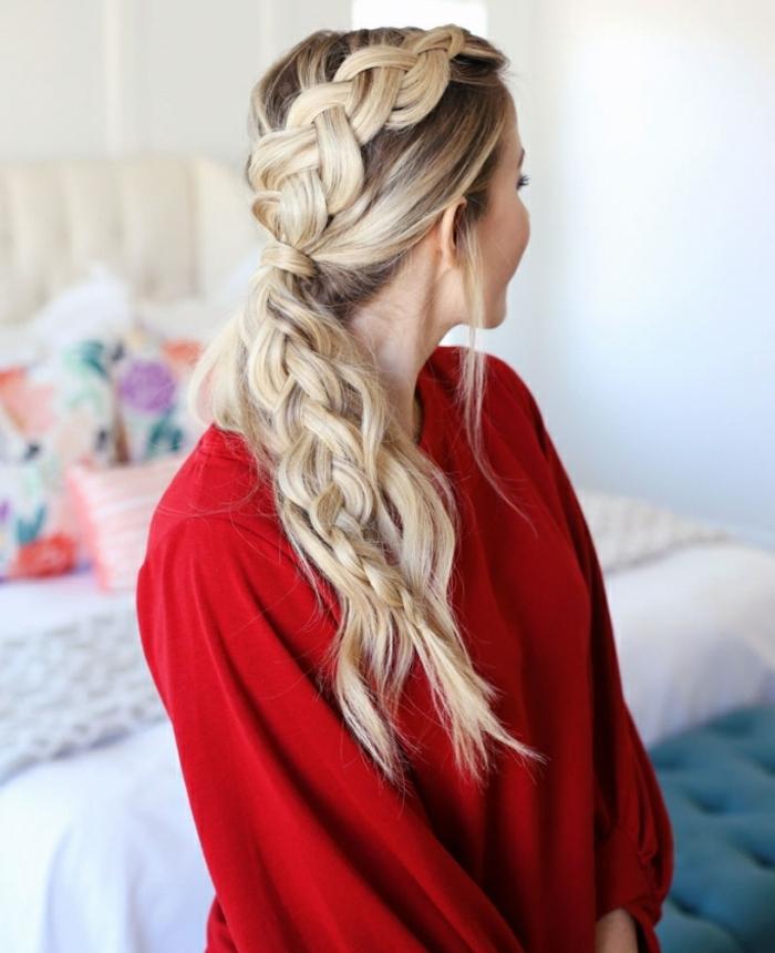 precioso recogido en coleta con trenza, cabello rubio largo y grueso, tendencias peinados mujer coletas altas
