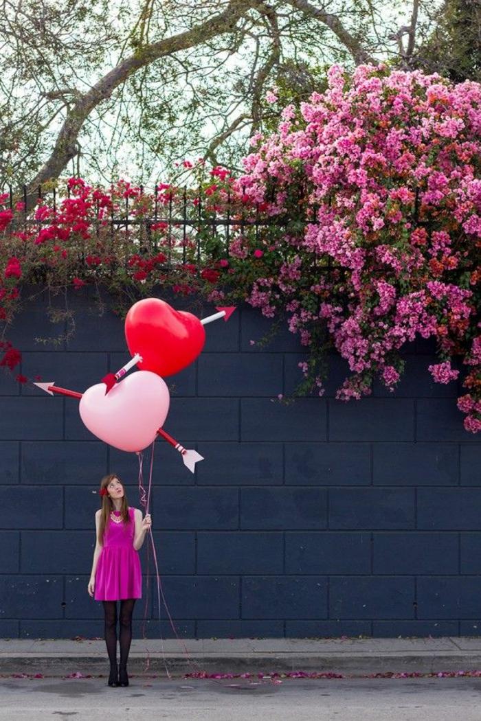 decoración para el día de los enamorados, ideas como sorprender a tu pareja, manualidades con papel higienico paso a paso
