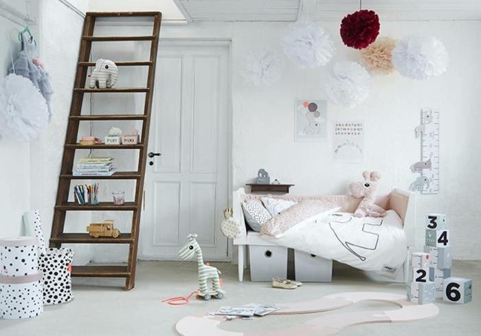 ideas para decorar habitaciones infantiles baratas, dormitorio en blanco con detalles en colores claros, escalera de madera y flores de papel decorativos
