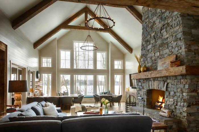 ideas de decoracion salones modernos con chimenea, decoracion rústica, salon abuhardillado con paredes de madera pintados en blanco