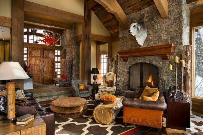 pequeño salon de encanto decorado en colores cálidos, salones modernos con chimenea decorados en estilo rústico