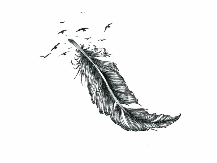plumas tatoo ideas originales y bonito, dibujo de grande pluma en negro descomponiéndose en aves en vuelo