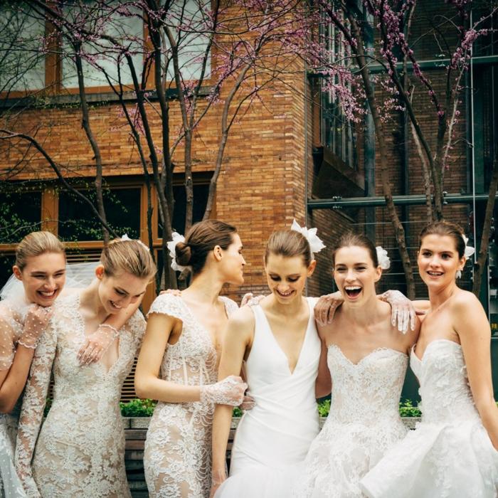 diferentes diseños de vestidos de novia de encaje, vestidos de novia informales tendencias 2018