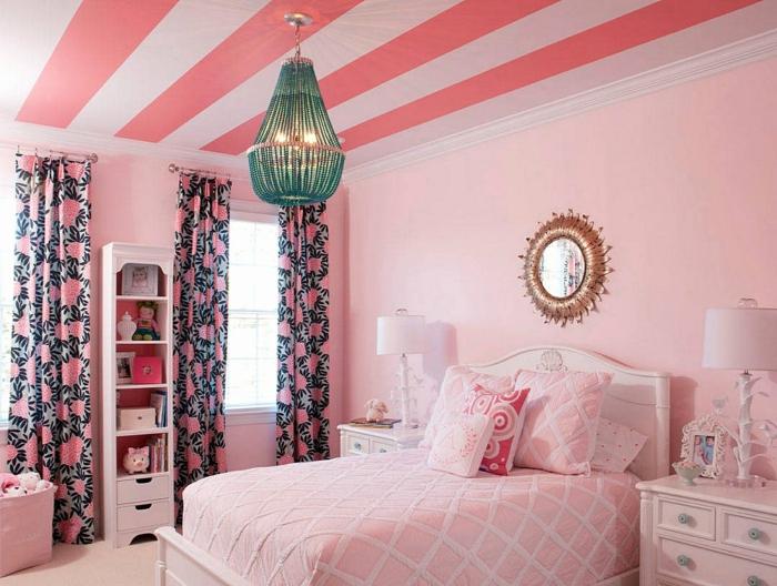 ideas decoracion habitaciones de niñas, dormitorio en rosado con elementos vintage, grande cama en blanco con cabecero