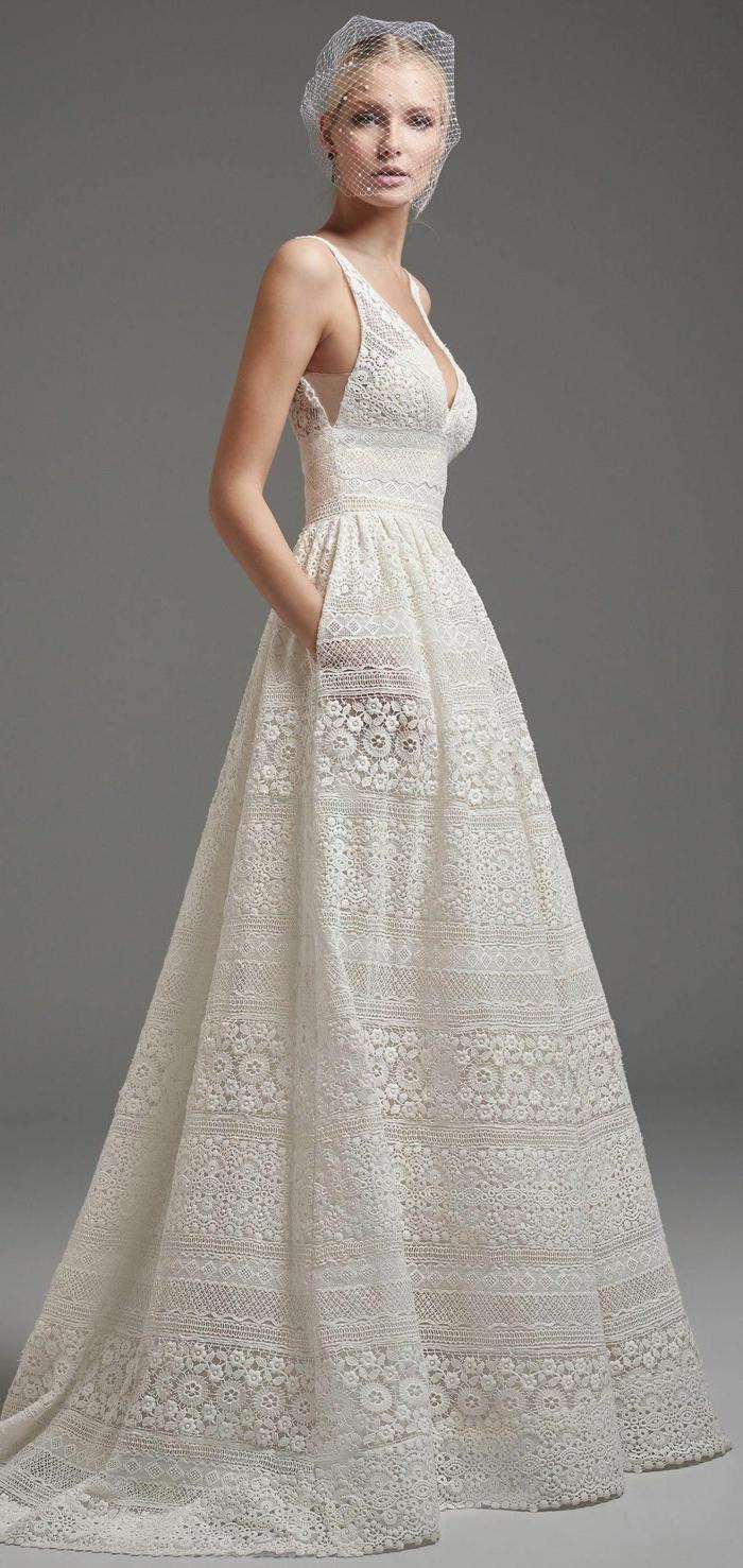 vestidos de novia informales corte princesa, parte superior sin mangas y escote en V, falda amplia de encaje