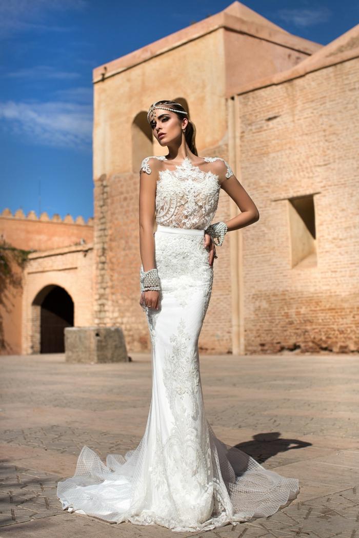 ideas de vestidos de novia cortos y largos, precioso modelo corte sirena con tela adornada de encaje, mangas con tul y encaje
