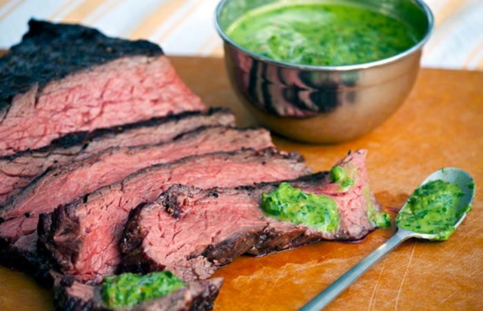 carne de ternera a la plancha con salsa casera de brocoli, ejemplos de cenas rapidas y saludables con recetas