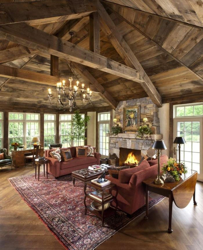 ideas sobre como decorar un salon moderno con elementos rusticos y vintage, techo con vigas, chimenea de leña