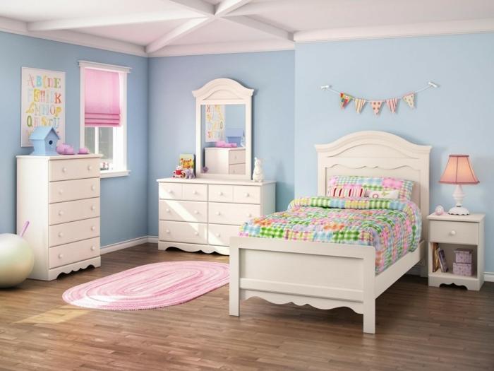 dormitorio pintado en azul porcelana con muebles en blanco y detalles decorativos en colores pastel, ideas dormitorio juvenil niña