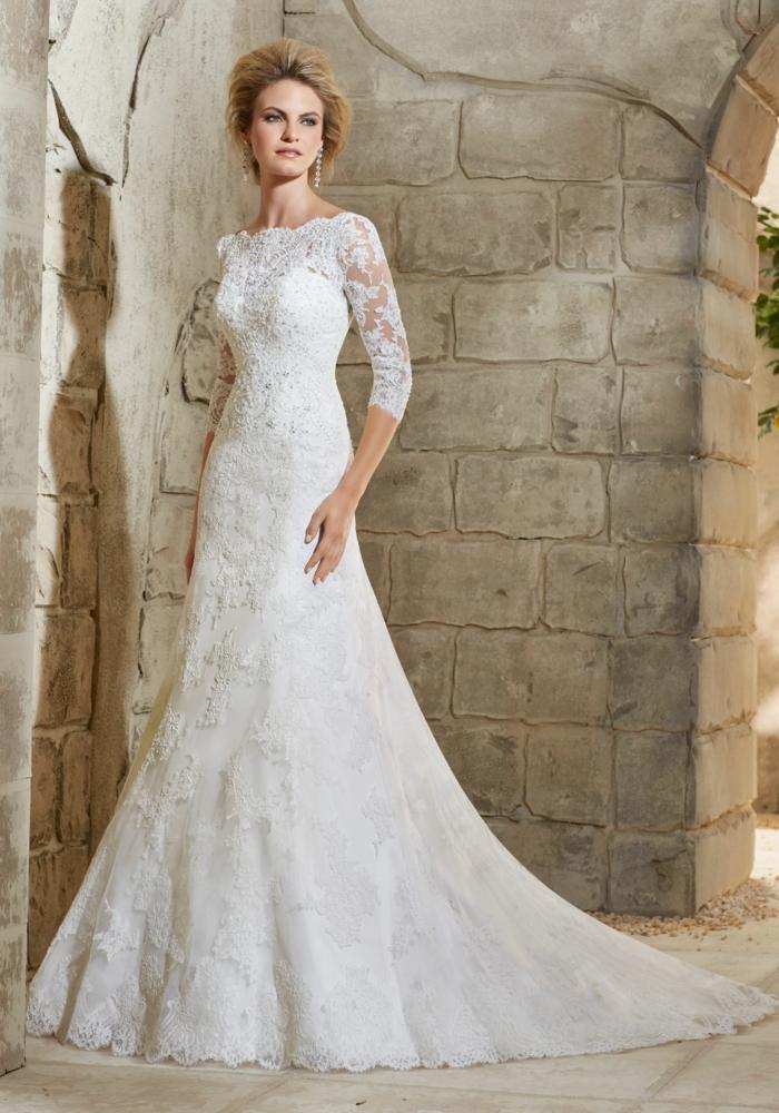 modelos modernos vestidos de novia cortos y largos de encaje, corte impreio color blanco nuclear, mangas largas